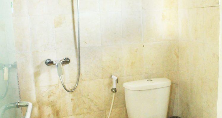 Bathroom rumah pohon2-min